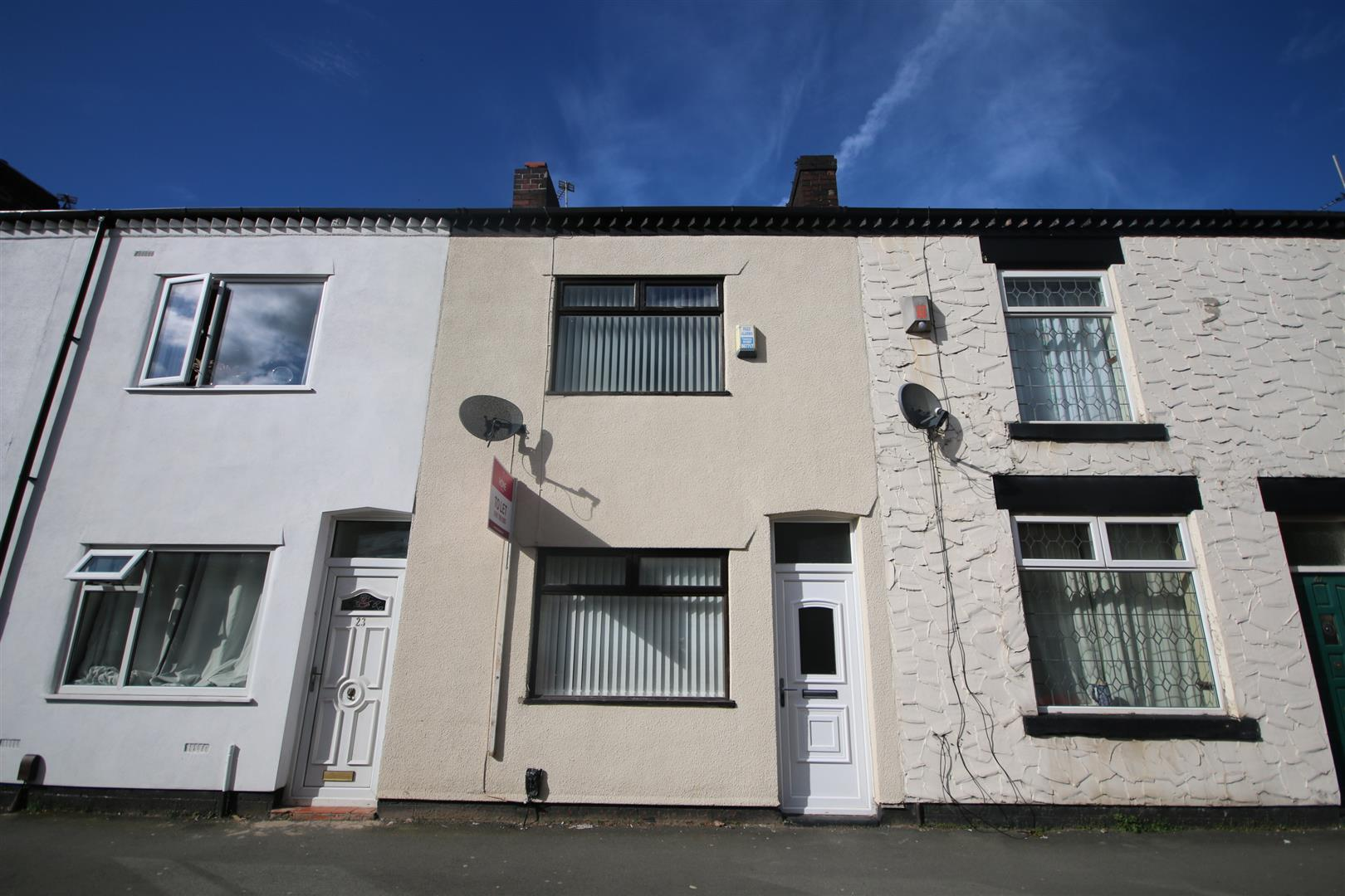 2 Bedroom House - Terraced To Let